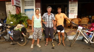 In front of the Cafe in Kampong Cham together with our new friend Ludo