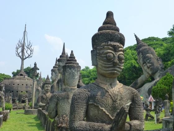 Buddhas, buddhas, buddhas...
