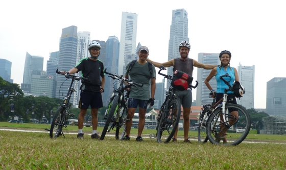 Posing in front of Singapore's impressive skyline