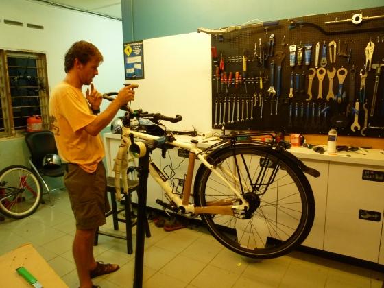 Johan dismantling the bikes