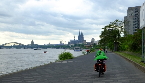 Cycling into Cologne