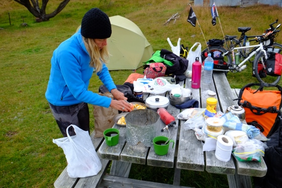 Preparing breakfast in the middle of nowhere